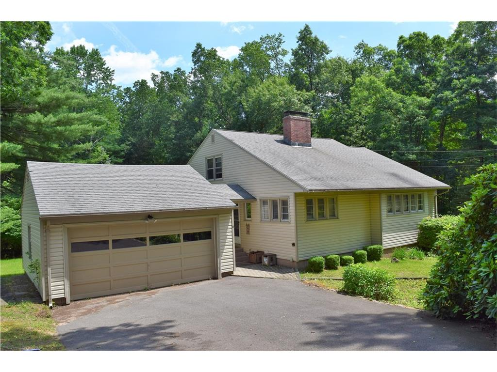 Photo of 6 Woodside Circle  Simsbury  CT