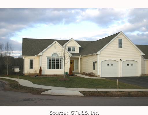 Real Estate for Sale, ListingId: 18957950, Suffield,CT06078