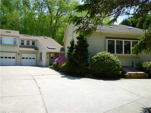 2 Woodward Rd, Columbia, CT 06237