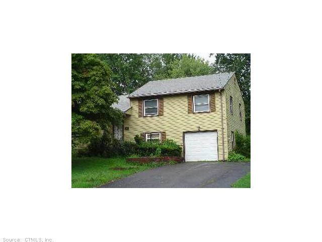 17 Crestview Dr, Bloomfield, CT 06002