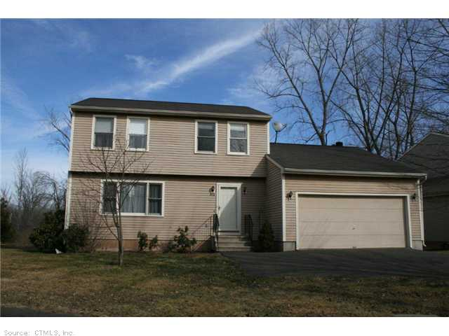 576 Long Hill Rd, Middletown, CT 06457