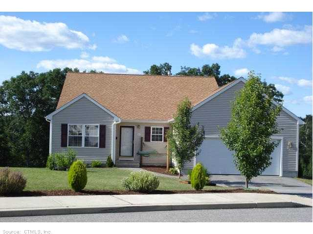 26 Aspen Pl, Willimantic, CT 06226