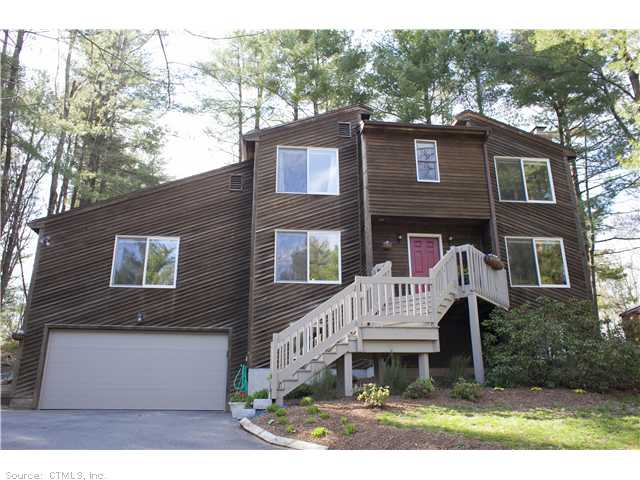 31 Woodduck Farms Rd, Windsor, CT 06095