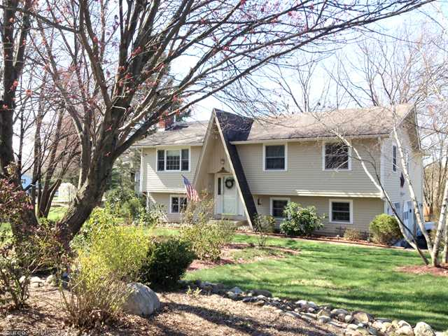 3 Winding Brook Rd, Burlington, CT 06013