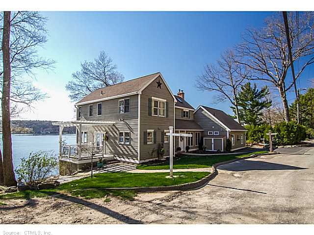 10 E Shore Rd, Ellington, CT 06029