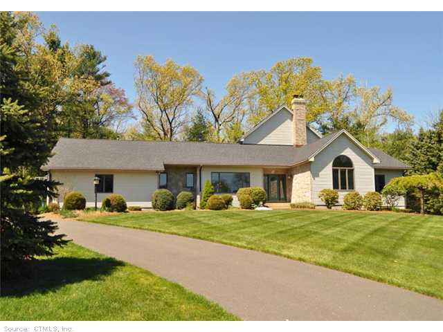 35 Cambridge Dr, South Windsor, CT 06074