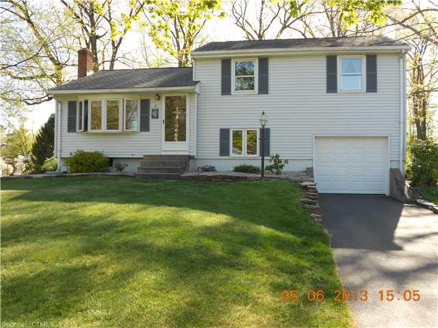 11 Sharon Dr, South Windsor, CT 06074