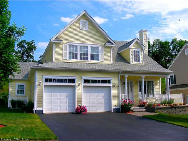 16 Strawfield Rd, Farmington, CT 06085