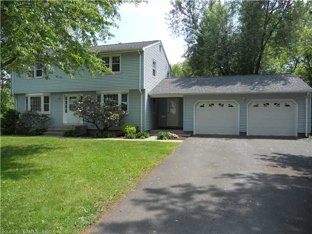 36 North St, Windsor Locks, CT 06096