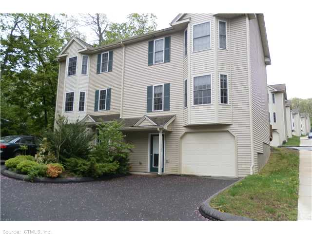67 Corning # 4, Norwich, CT 06360