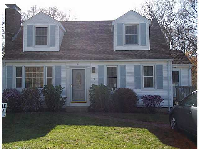 21 Burrows St, Groton, CT 06340