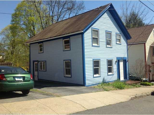 125 Walnut St, Willimantic, CT 06226