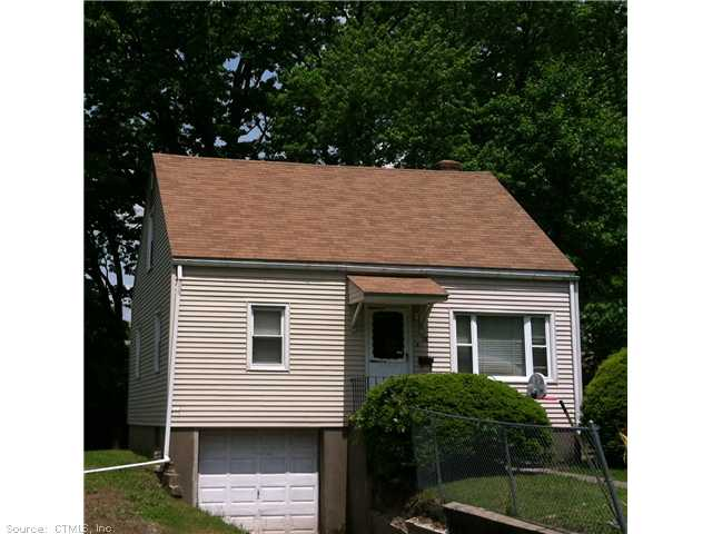 98 E Burnham St, Bloomfield, CT 06002