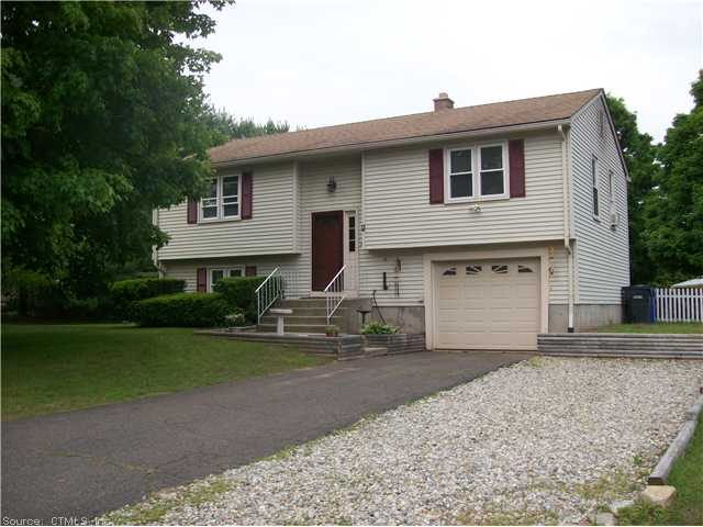 1 Sprucewood Dr, Ellington, CT 06029