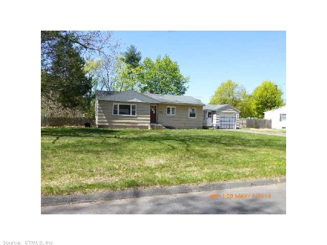 19 Hathaway St, Windsor Locks, CT 06096