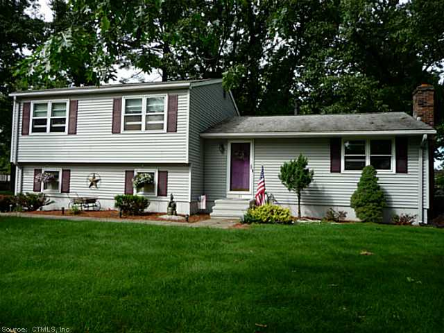 43 Marshall Rd, Windsor Locks, CT 06096