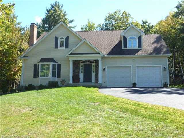 6 Boulder Ridge Dr, Ellington, CT 06029