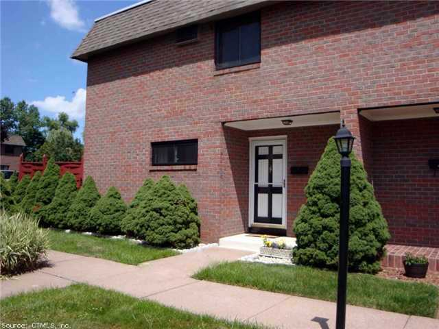 Rental Homes for Rent, ListingId:26086733, location: 15 SHARON LN Wethersfield 06109