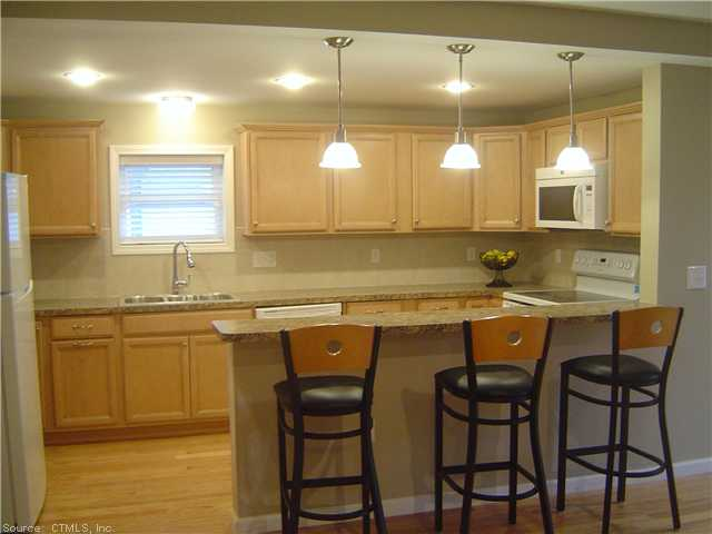 Rental Homes for Rent, ListingId:26455961, location: 772 FARMINGTON AVE, FLOOR 2 West Hartford 06119