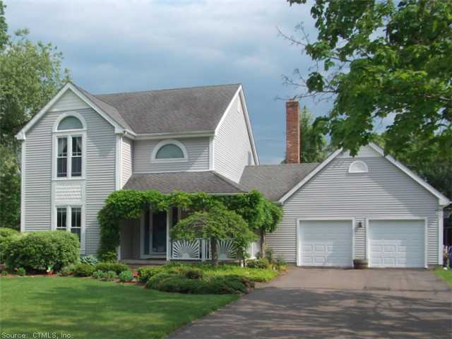 16 Blueberry Cir, South Windsor, CT 06074