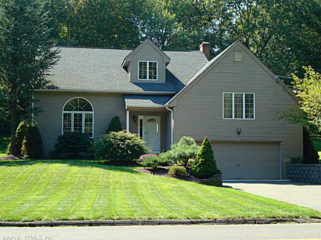 84 Shadow Ln, Cromwell, CT 06416