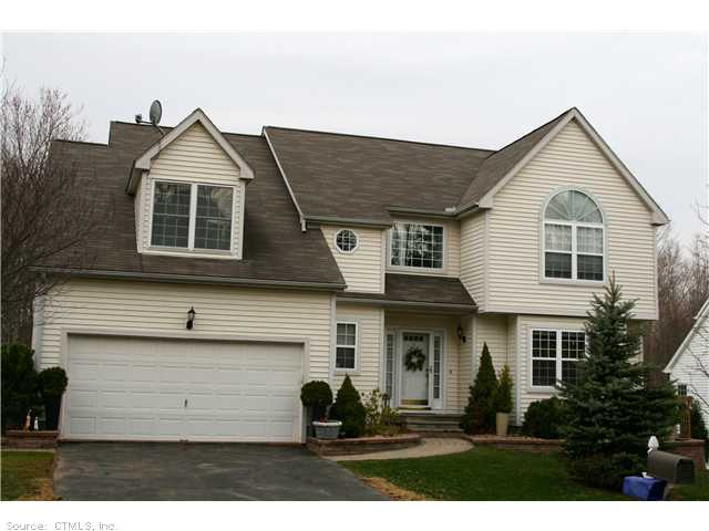 73 Moss Gln, Middletown, CT 06457