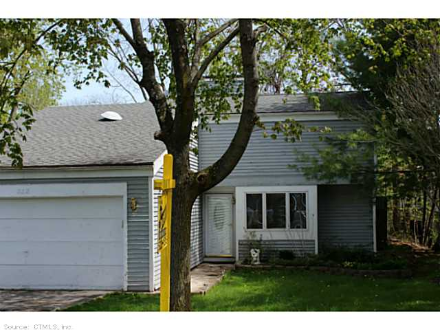 6 Woodlot Ln, Middletown, CT 06457