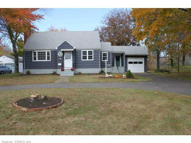 234 Wintonbury Ave, Bloomfield, CT 06002