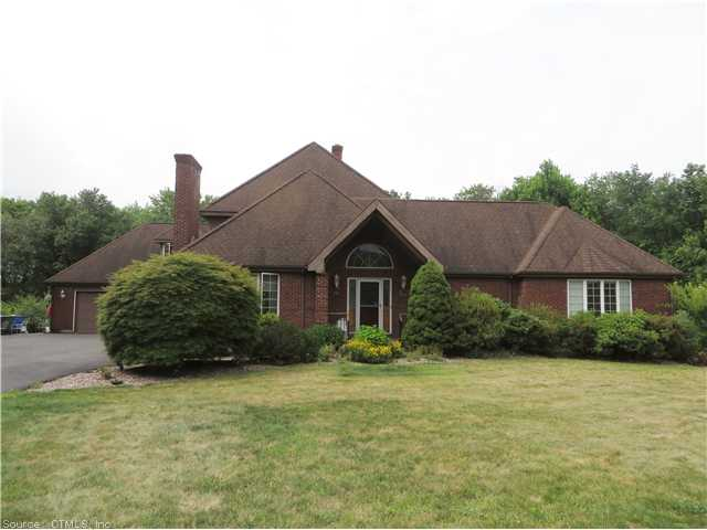 18 Pondview Dr, Manchester, CT 06040