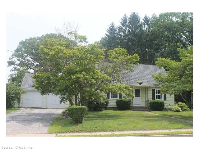 481 High St, Willimantic, CT 06226