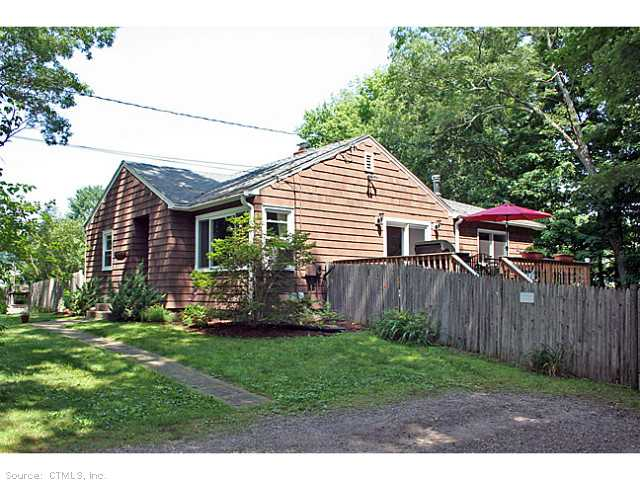 14 Long Crossing Rd, East Hampton, CT 06424