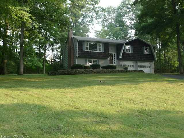 150 Bush Hill Rd, Manchester, CT 06040