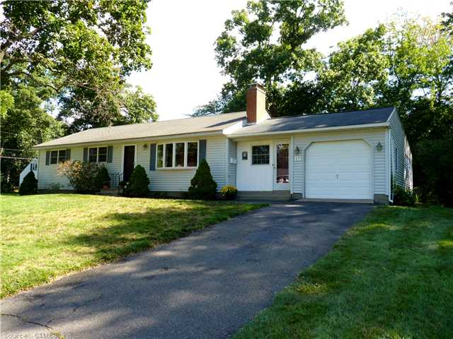 17 Carriage Dr, Enfield, CT 06082