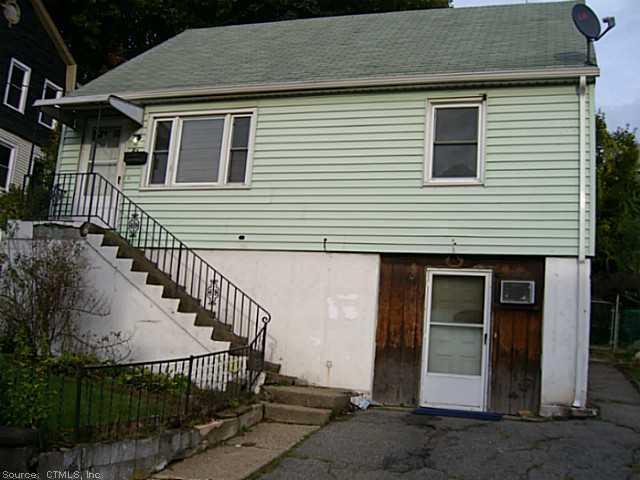 Rental Homes for Rent, ListingId:30677824, location: 47 SOUTHVIEW ST Waterbury 06706