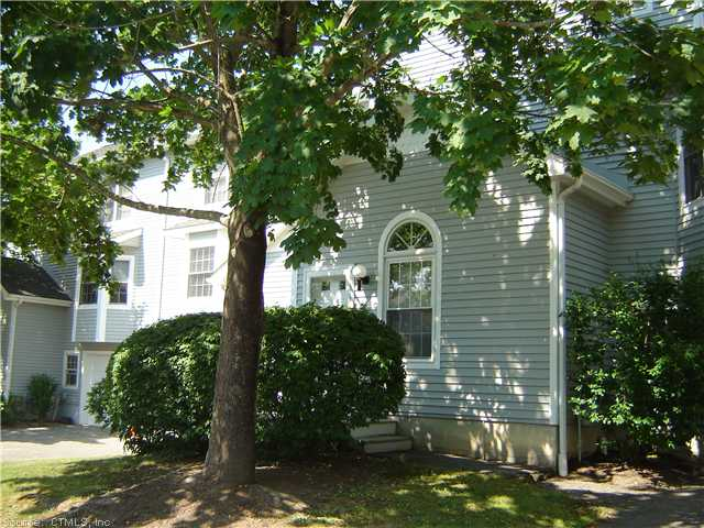 33 Larkspur Farm Rd, Torrington, CT 06790