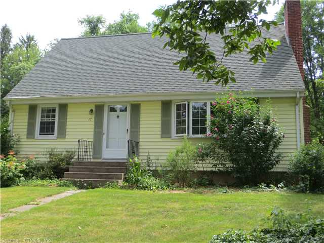 17 Barn Hill Rd, Bloomfield, CT 06002