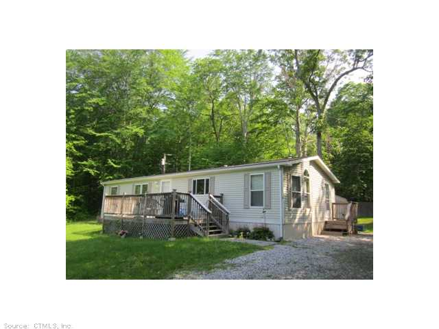 3 Lionel Ave, Clinton, CT 06413