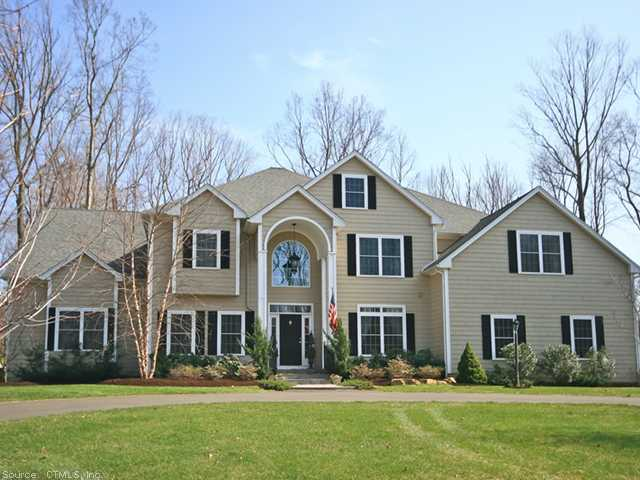 10 Chestnut Grv, Guilford, CT 06437
