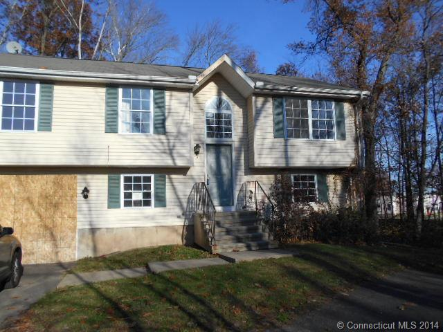 3 Gaines Dr, Hartford, CT 06120