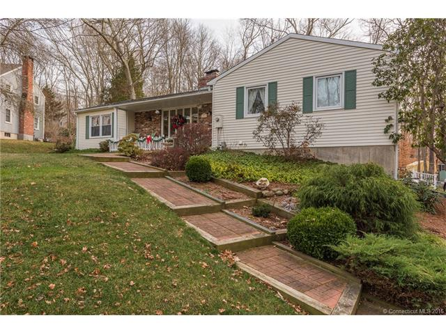 11 Wild Apple Ln, Old Saybrook, CT 06475