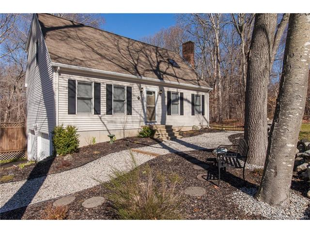 Photo of 37 Fox Hill Dr  Clinton  CT