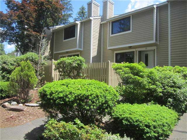 Photo of 35 Ives Hill Ct  Cheshire  CT