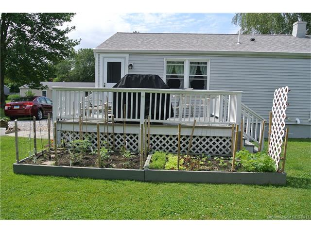 20 Sherman St, Old Saybrook, CT 06475