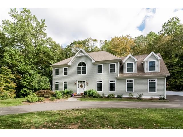 24 Chestnut Hill Rd, Madison, CT 06443
