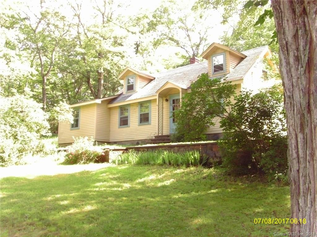 872 Nut Plains Rd, Guilford, CT 06437