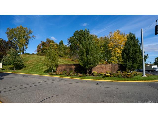 Condo, Condo,Townhouse - Cromwell, CT (photo 2)