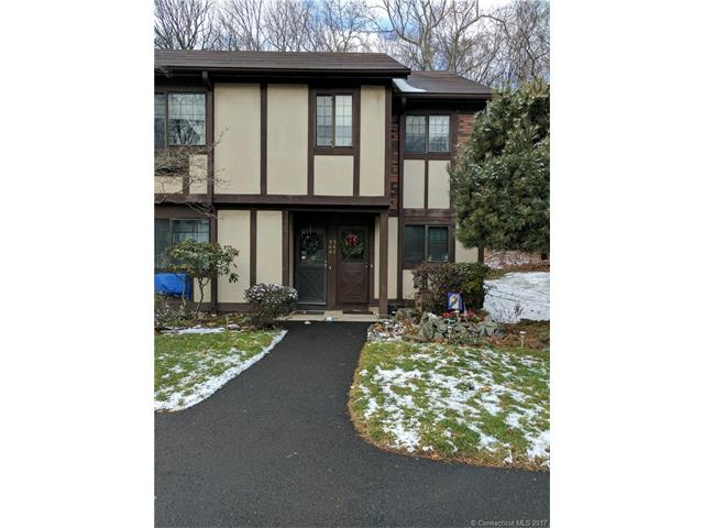 568 Swanson Cres, Milford, CT 06461