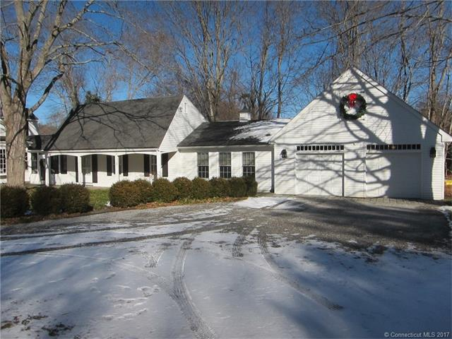 Photo of 9 Ingham Hill Rd  Essex  CT