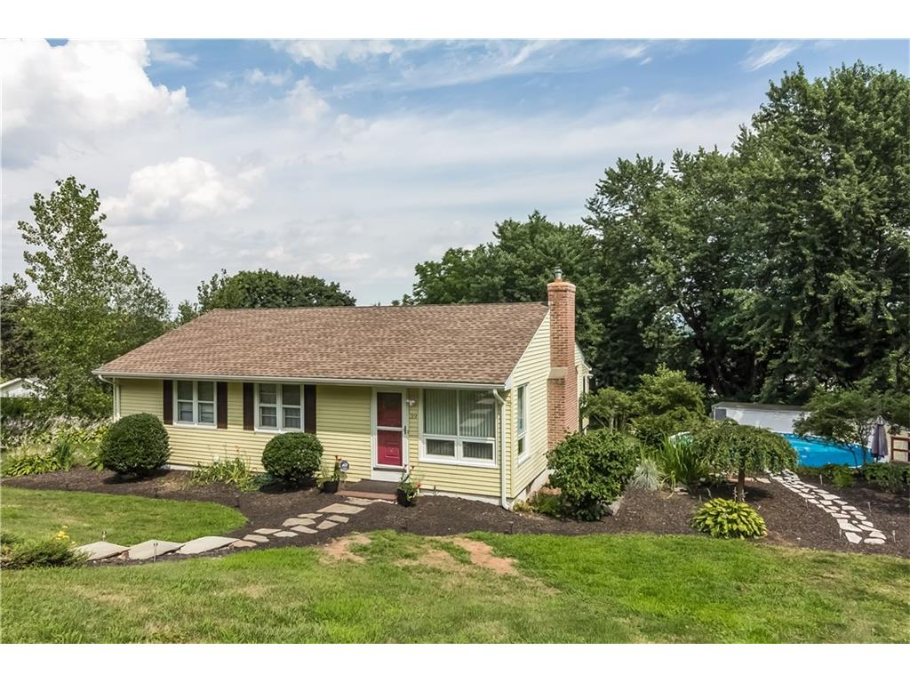 Photo of 39 Maryland Drive  Middlefield  CT