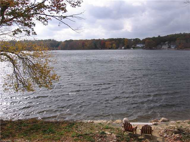 122-54 Pond Hill Rd, Moosup, CT 06354
